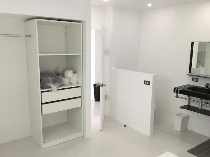Luxury Villa 3 Bedrooms + One apartment 2 Bedrooms