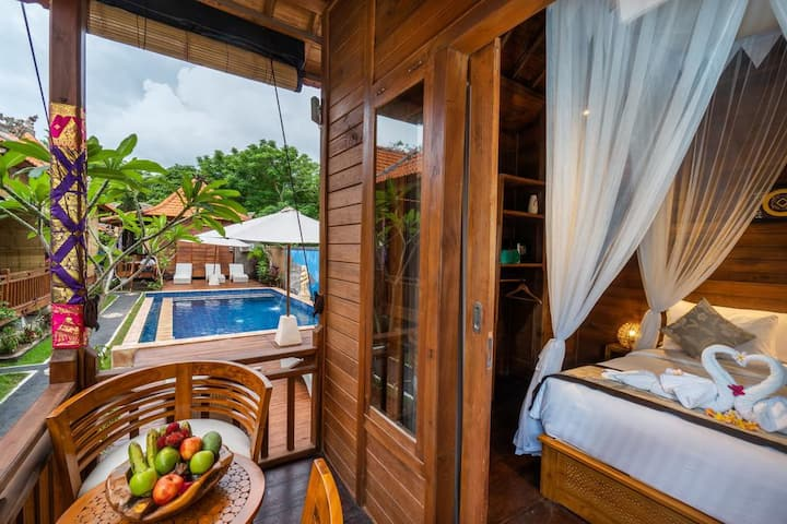 RAdiance of Walk To Beach 6 adult Non Breakfast