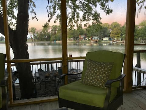 Abilene Lake Cabin, Excellent Reviews!On the water