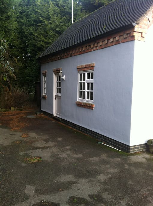 Completely self contained annexe cabins for rent in for Self contained cabin