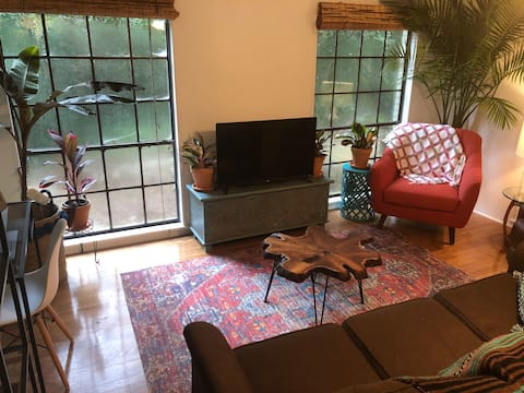 Rainforest Retreat! Private apt. near bay/town