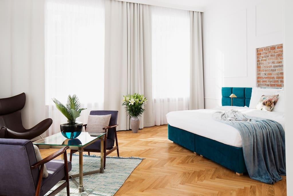 Przestronna sypialnia / Spacious bedroom