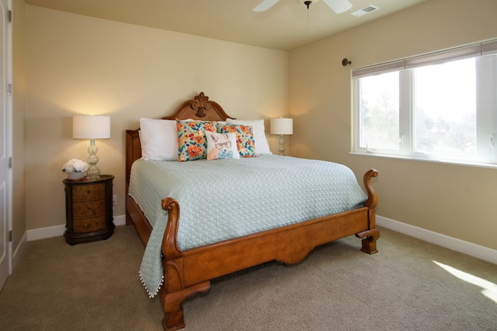 Private Suite close to Colorado Horse Park