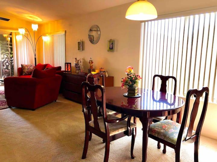 1 of 2 pvt rooms In a quiet Phoenix neighborhood