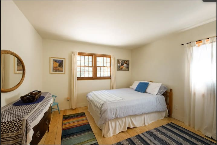 Sunshine Room in Vineyard Haven