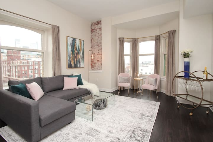"CENTRAL PHILLY|""STYLE SUITE""