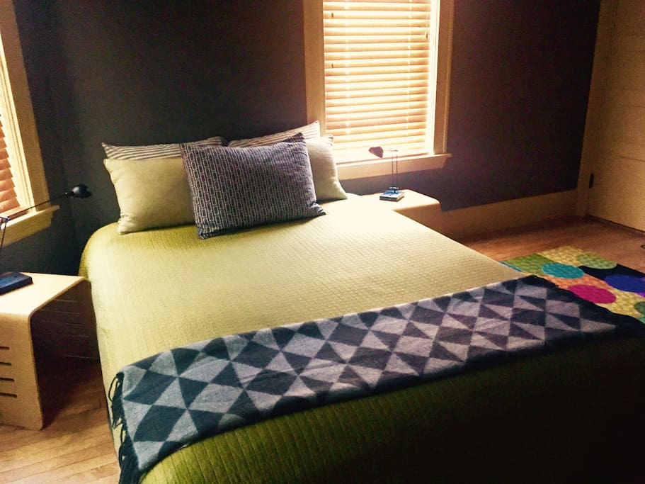 Queen bed with new linens