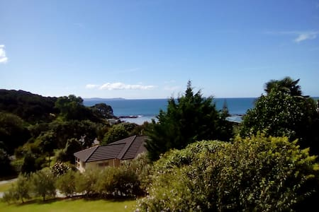 Beach Home with A family Host , Far norh NZ - Cable Bay - Talo