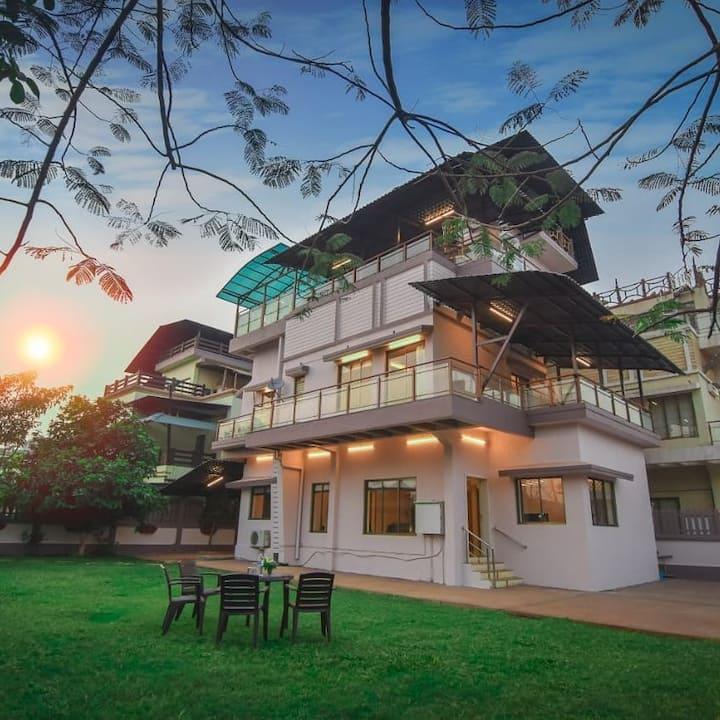 Marina Grand villa