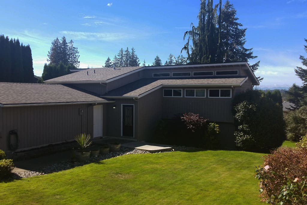 Charming home in the heart of Snohomish!