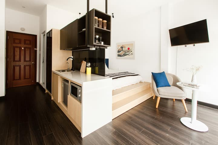 Central Studio | Kitchen | Netflix by CIRCADIAN