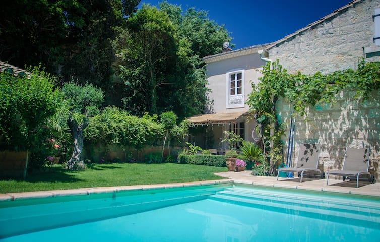 La Maison VALZ (in Petite Camargue) - Saint-Laurent-d'Aigouze - Penzion (B&B)