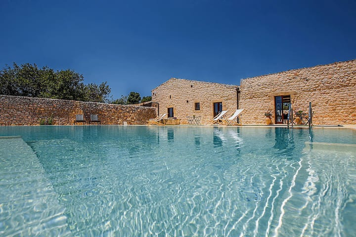 Casa Salina villa piscina Scicli