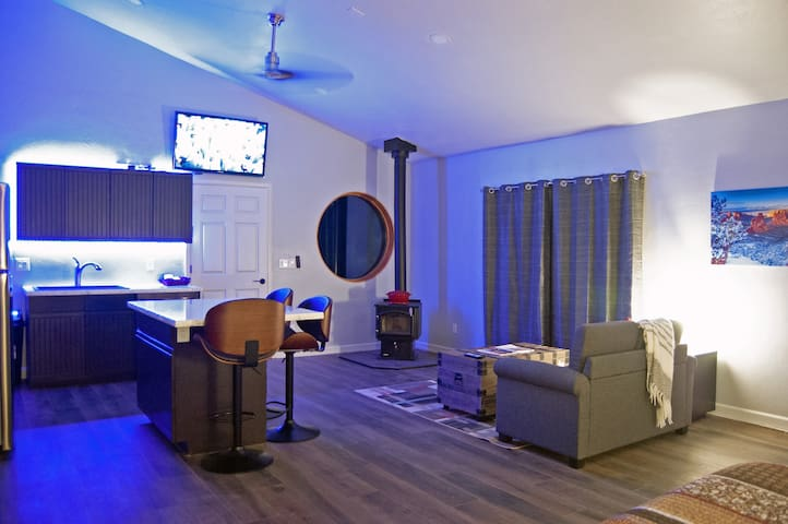 #1754 The Bungalow at Casa Del Sol in Grand Junction Colorado By VacaVibe