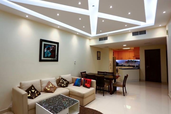 Furnished living room on rent - Dubai - Huoneisto