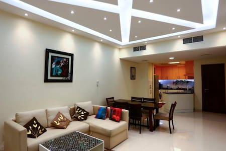 Furnished living room on rent - Dubai - Byt