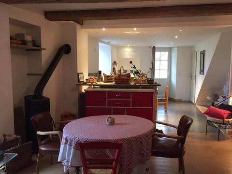 Loue charmante petite maison au coeur du Jura