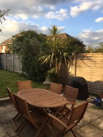 Semi detached Victorian cottage close to Goodwood - Chichester - Hus
