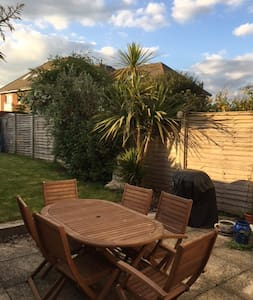 Semi detached Victorian cottage close to Goodwood - Chichester