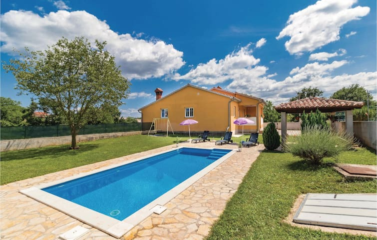 Poolside relax Holiday cottage 96 m²
