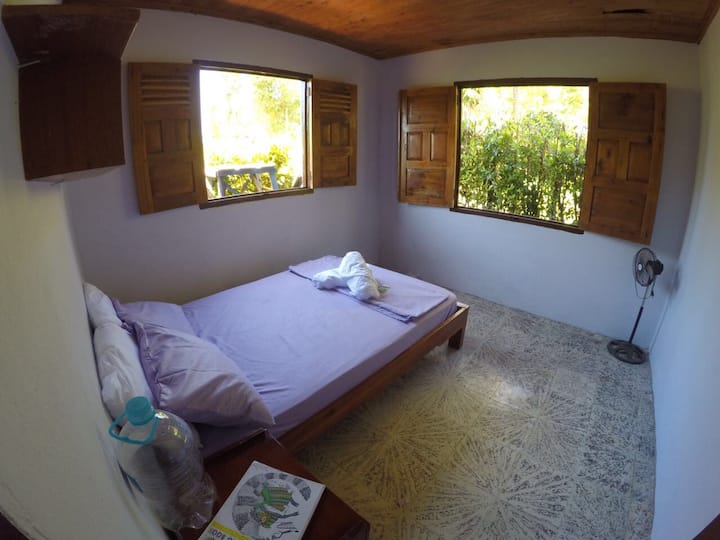 Lovely Private Room, 5min from El Almejal Beach!