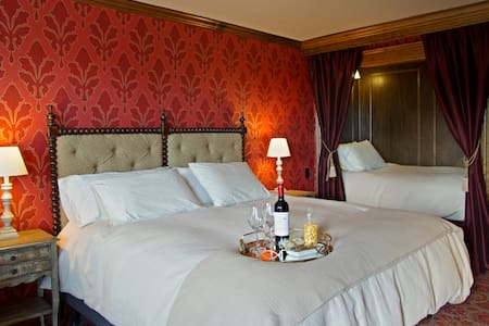 The Red Executive Room at The Mill Inn - Lynden - Hotel butik