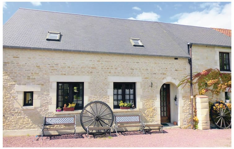 Holiday cottage with 4 bedrooms on 120m² in Les Veys