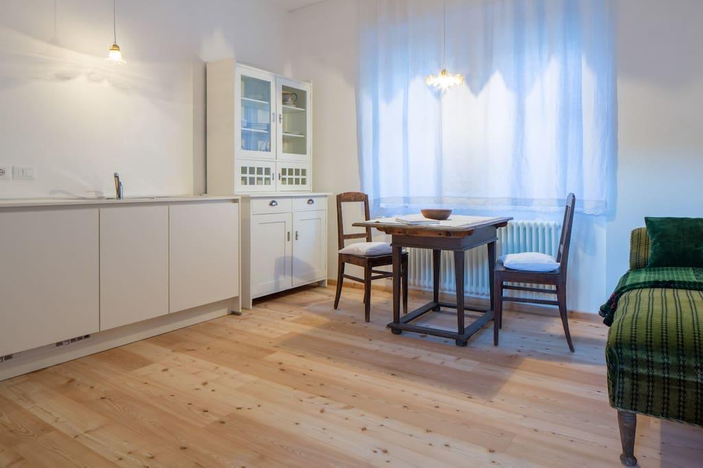 Frenes, Wohnküche - cucina soggiorno