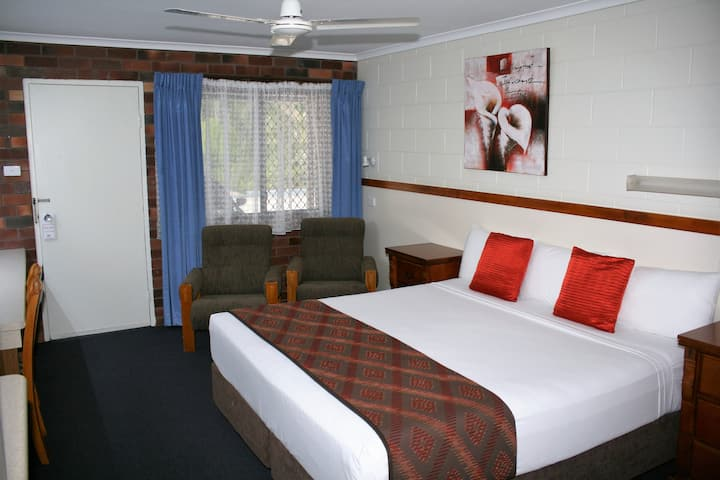 Conveniently located, central motel Townsville