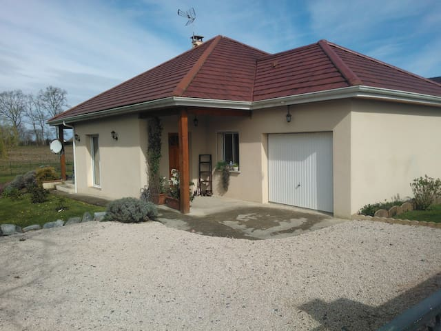 Belle maison avec terrain de 1200 m2 - Ger