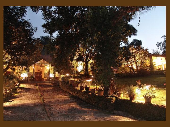 The Vanilla Room|1 BR in 400 acre coffee estate