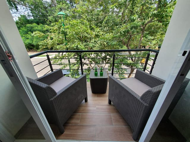 Cozy & Centrally located w/Rooftop Terrace