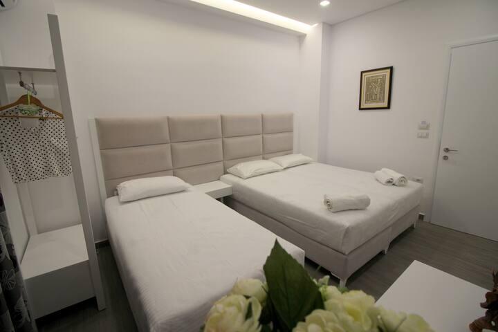 Edina Luxury tripple room.