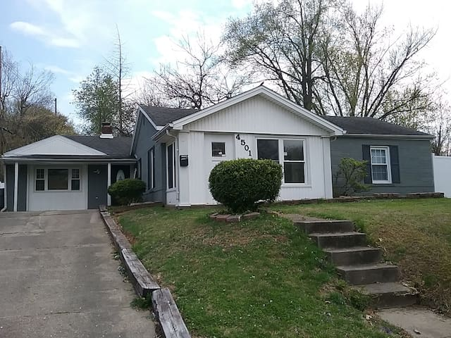 Adorable East Evansville 3 BR/2Ba Home