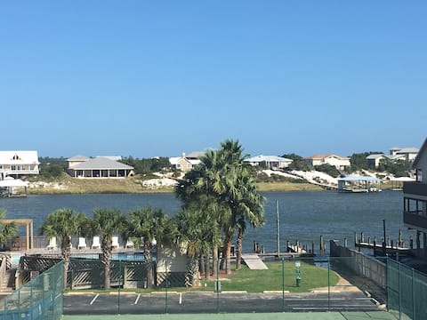 Located 1 mile from FloraBama with water views!!!