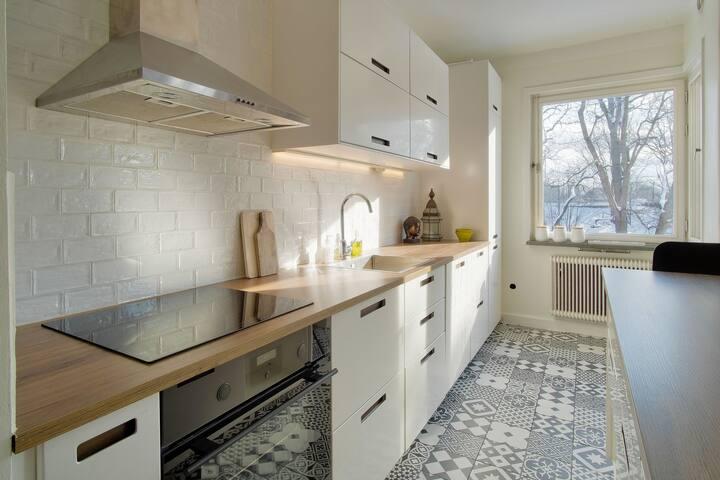 Nyrenoverad lägenhet nära Stockholm City