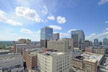 You get an amazing 360 degree view of city from the Skylounge Rooftop!