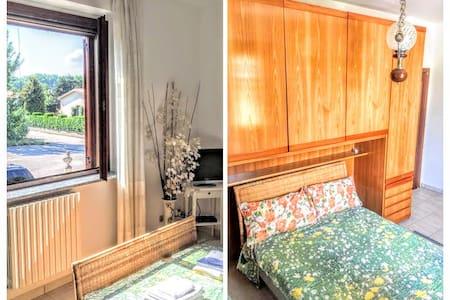 VEV3 Elegant Room in Villa Milan - Vigano - Huis