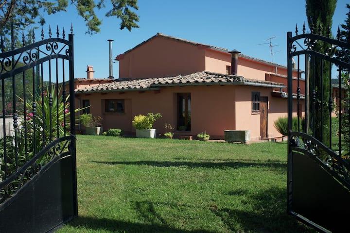 Acogedora casa de vacaciones en San Casciano dei Bagni con piscina