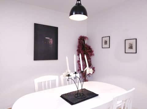 Cosy and quiet apartment - Lleida