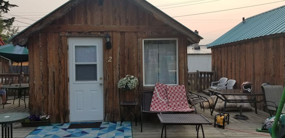Rustic cozy cabin #2