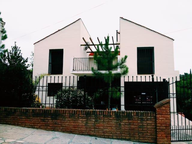 Casa completa centro de Carlos Paz