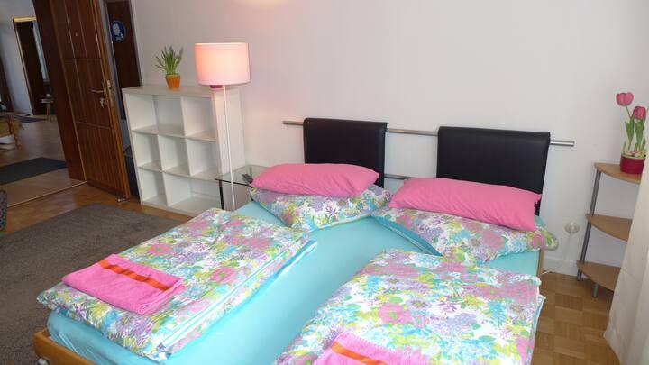 Budgetzimmer ohne Bettwäsche