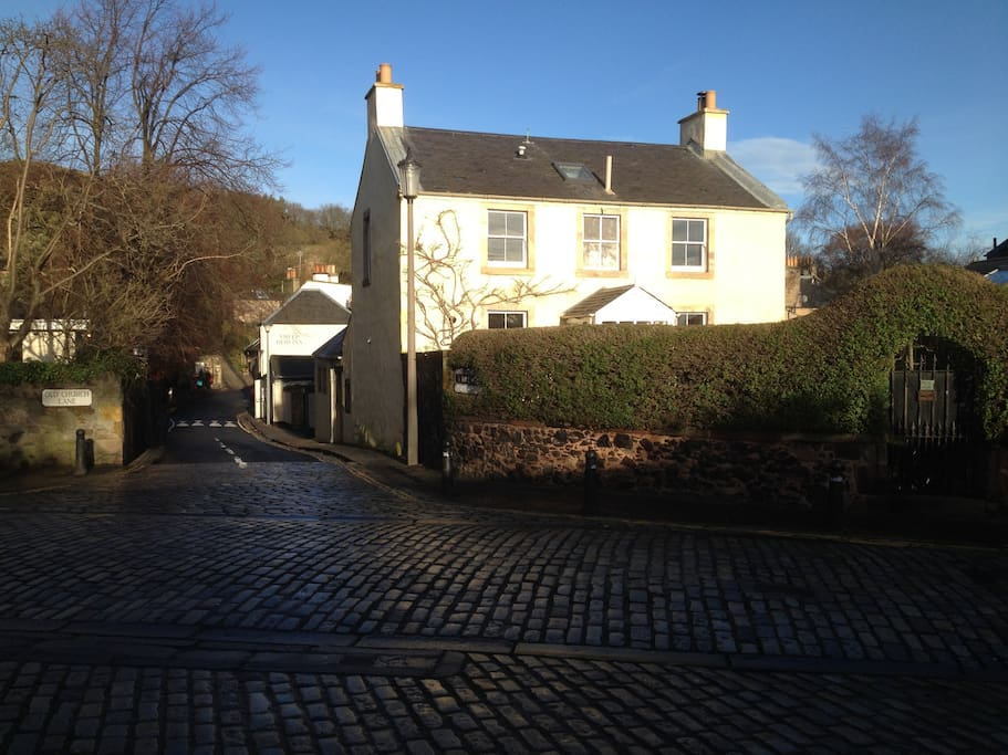 A village in the City under Arthurs Seat