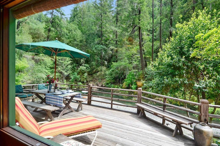 Sequoia Beach Dreamery - Wooded Creekside Bliss!