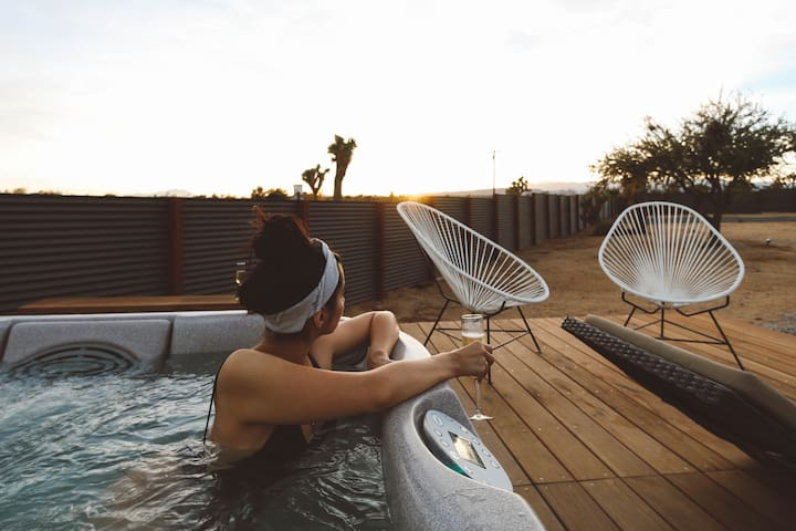 Serenity Escape in Joshua Tree ★ Jacuzzi ★ Sunsets - Yucca Valley - Hus