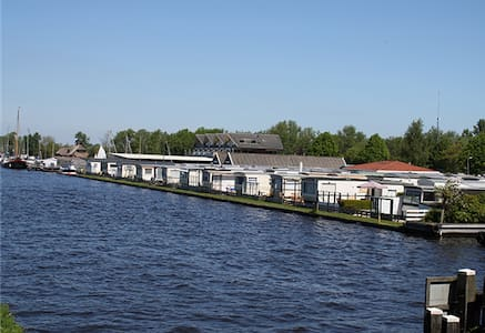 Chalet Giethoorn op camping aan het water!