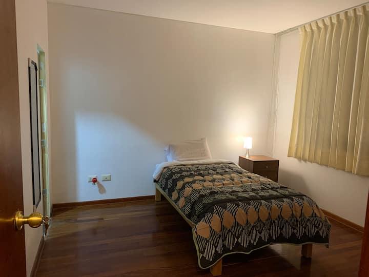Alojamiento en Santiago de surco - Lima