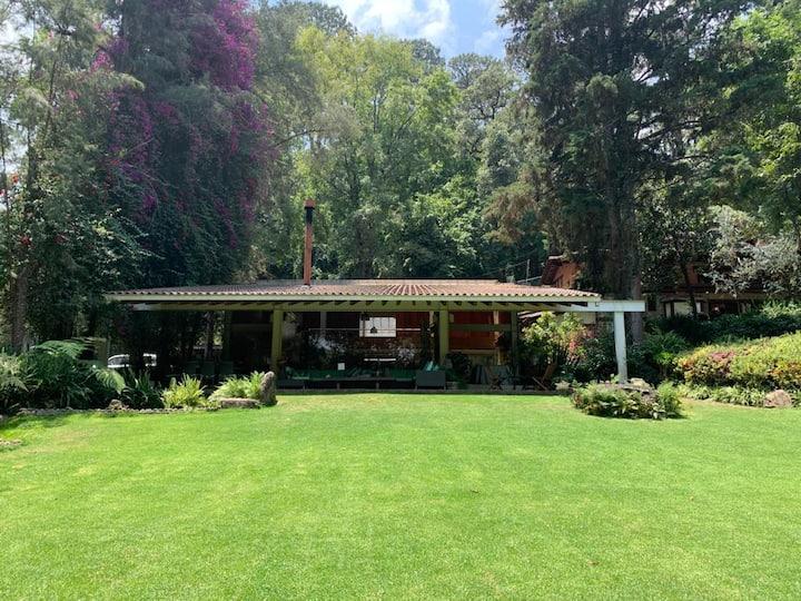 Casa en Avandaro con un jardín espectacular !
