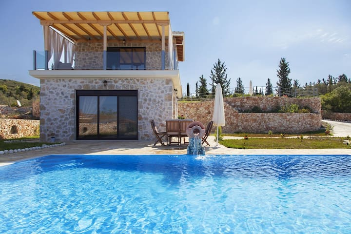 JuneOffer: Elegant Villa Natalia with Pool & Views